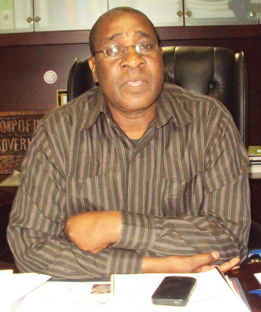 Lawrence Sampofu , Mubusisi wa Zambezi