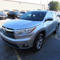 SELLING MY USED 2015 Toyota Highlander LE GRAY
